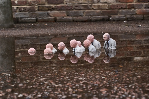 Isaac Cordal, Follow the Leaders, skulptura u Londonu